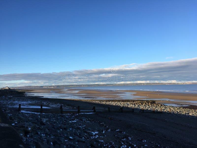 在海滩的冬天 免版税库存照片