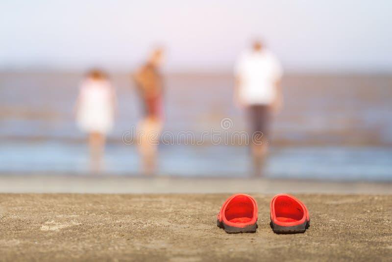 在海滩的凉鞋 库存照片