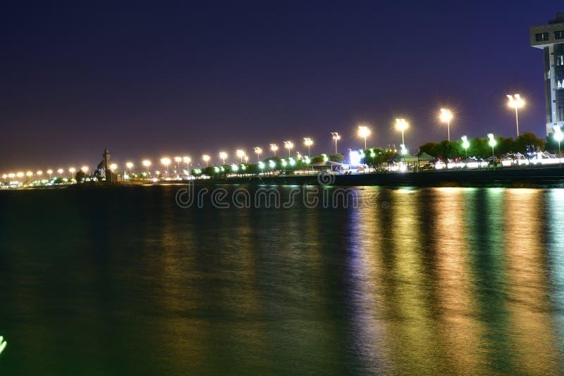 在海滩的夜照片在沙特阿拉伯的东部省 库存图片