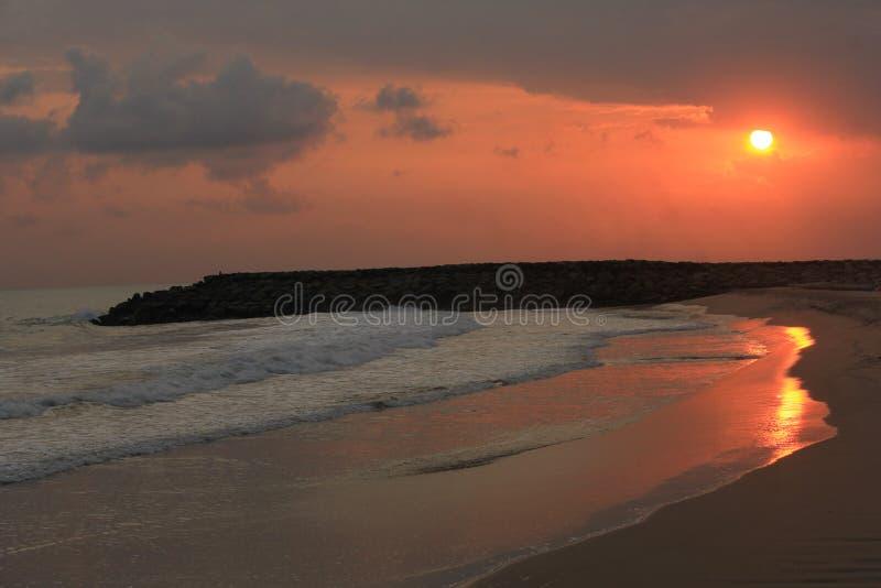 在海滩的夜间 免版税库存照片