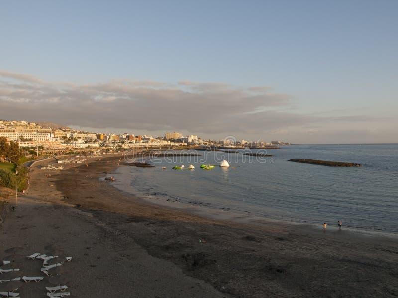 在海滩的日落在特内里费岛西班牙 库存照片