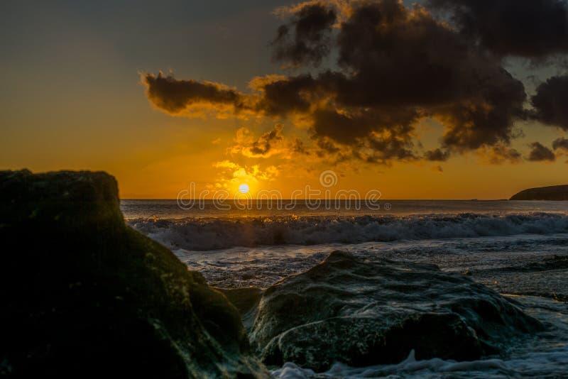 在海滩的日落费埃特文图拉岛 库存图片
