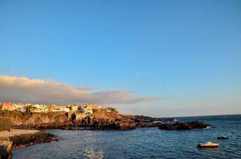 在海滩的日落,数字照片图片作为背景 免版税库存照片