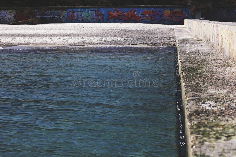在海滩的海滨的Streetart 免版税库存图片