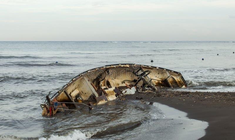 在海滩的海难 免版税图库摄影