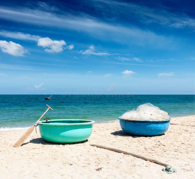 在海滩的渔船。 越南 免版税库存图片