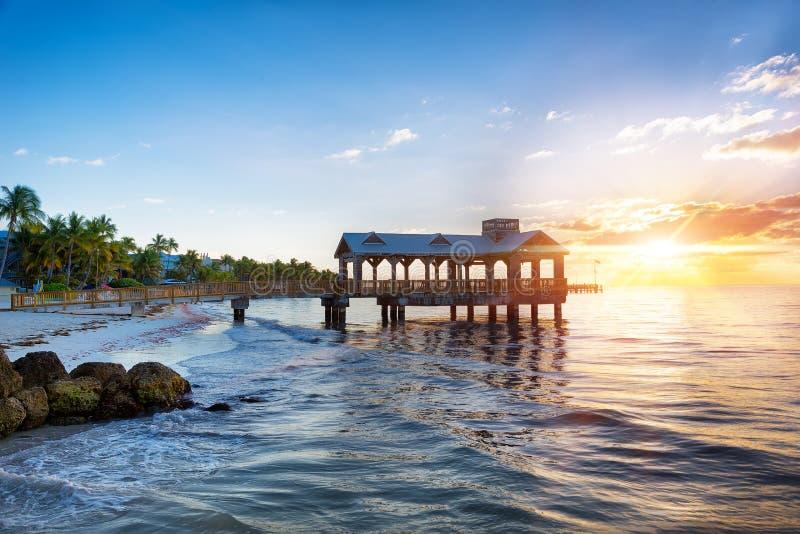 在海滩的码头在基韦斯特岛 库存照片