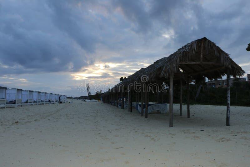 在海滩的美好的晚上 库存图片