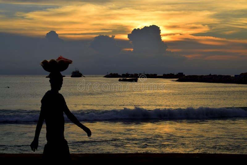 在海滩边的摊贩,加勒面对绿色,科伦坡斯里兰卡 图库摄影