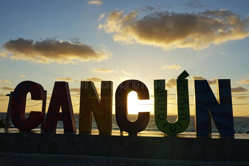 在海滩附近的坎昆斑点 库存照片