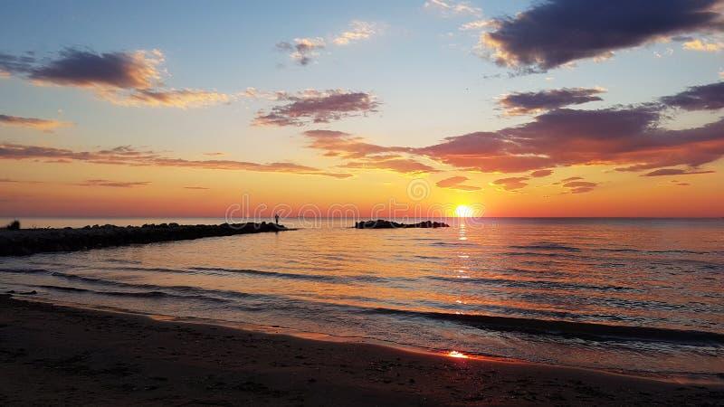 在海滩,阿尔巴尼亚的日落 库存照片
