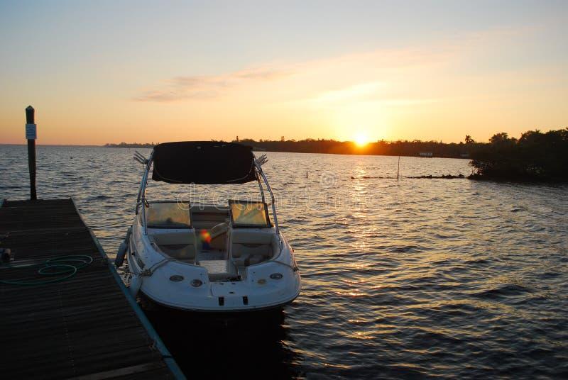 在海牛河的日出 库存图片