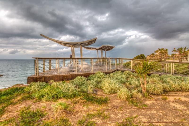 在海的全景观察平台 免版税图库摄影