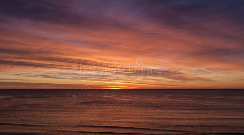 在海的壮观的日落 免版税图库摄影