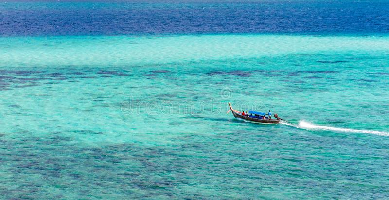 在海的小船,李Pe泰国 免版税库存图片