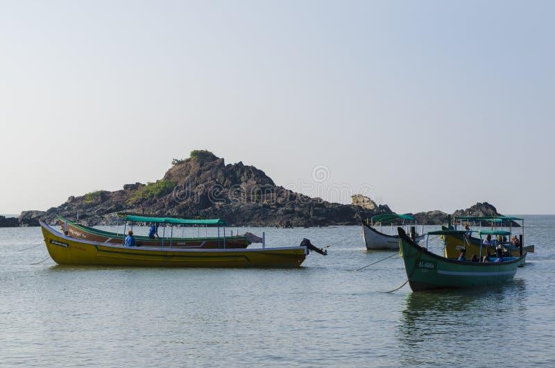 在海的小船 库存照片