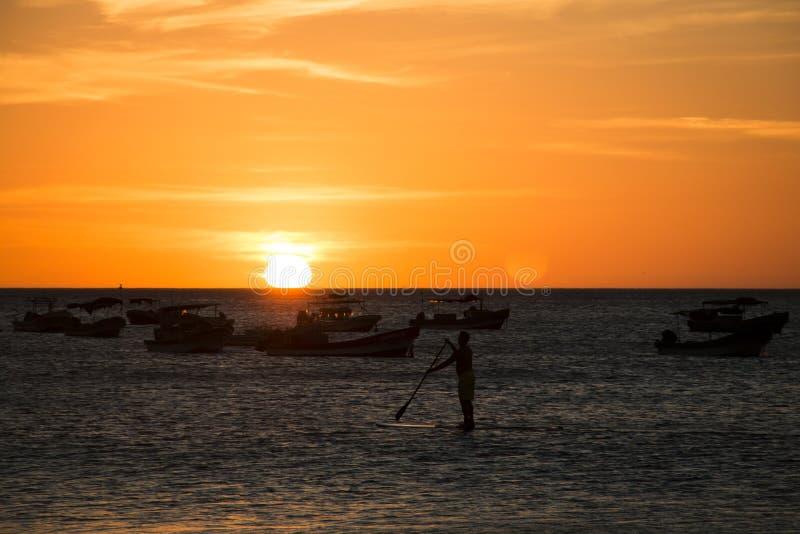 在海的日落在圣胡安del苏尔,尼加拉瓜 库存图片