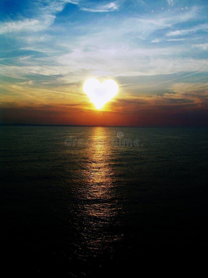 在海的日落海峡La的芒什省 向量例证