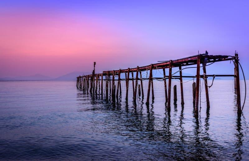 在海的日落,酸值苏梅岛/泰国 免版税库存图片