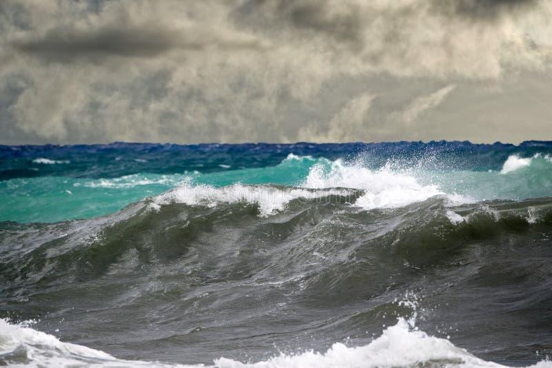 在海的海啸热带飓风 图库摄影