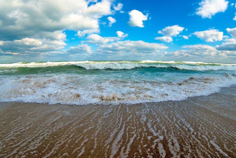在海的秋天风暴 库存图片