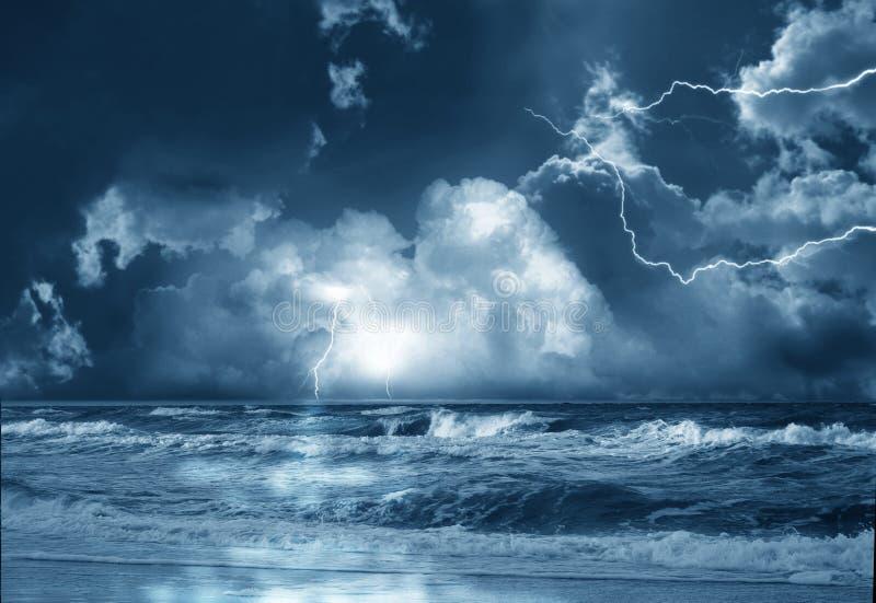 在海的风暴 图库摄影