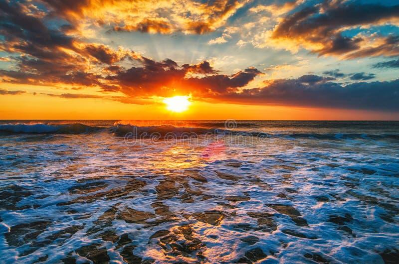 在海的鸟瞰图,日出射击 库存图片