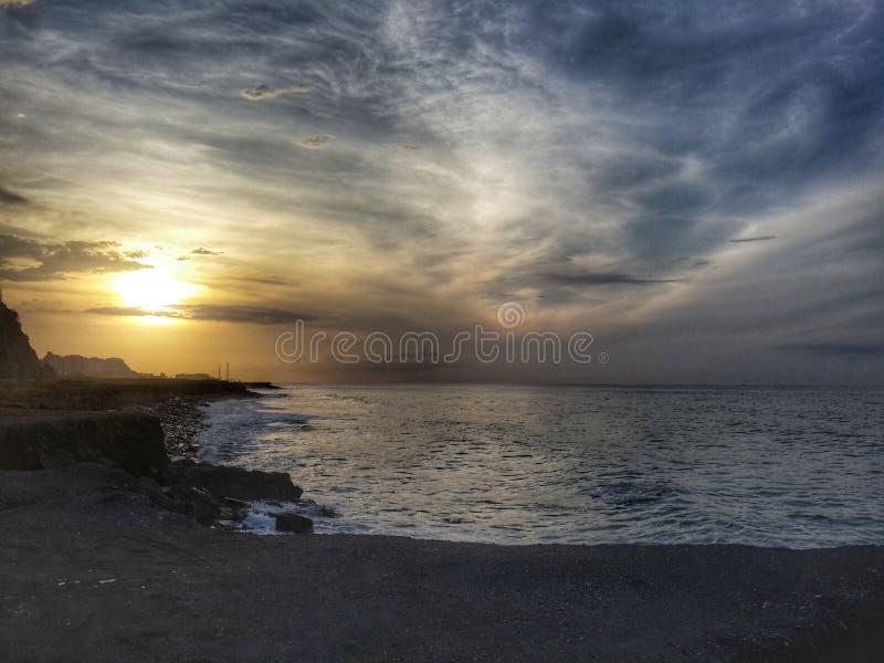 在海的HDR日落 库存照片