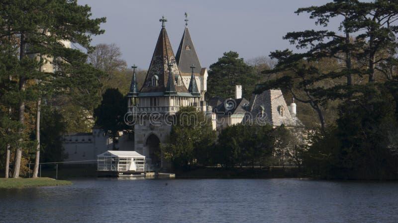 在海的Laxenburg城堡 库存照片