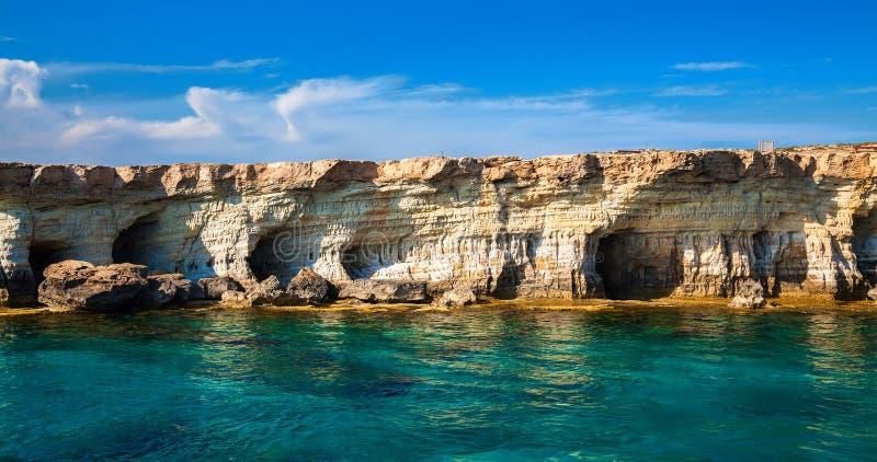 在海角格雷科,塞浦路斯的海洞 图库摄影