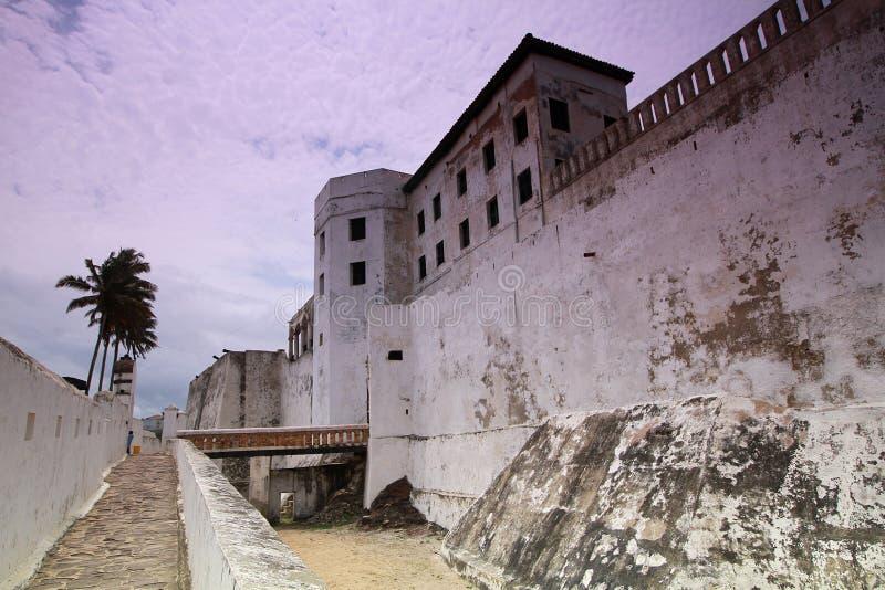 在海角海岸的一座奴隶贸易的城堡在阿克拉,加纳 免版税库存照片