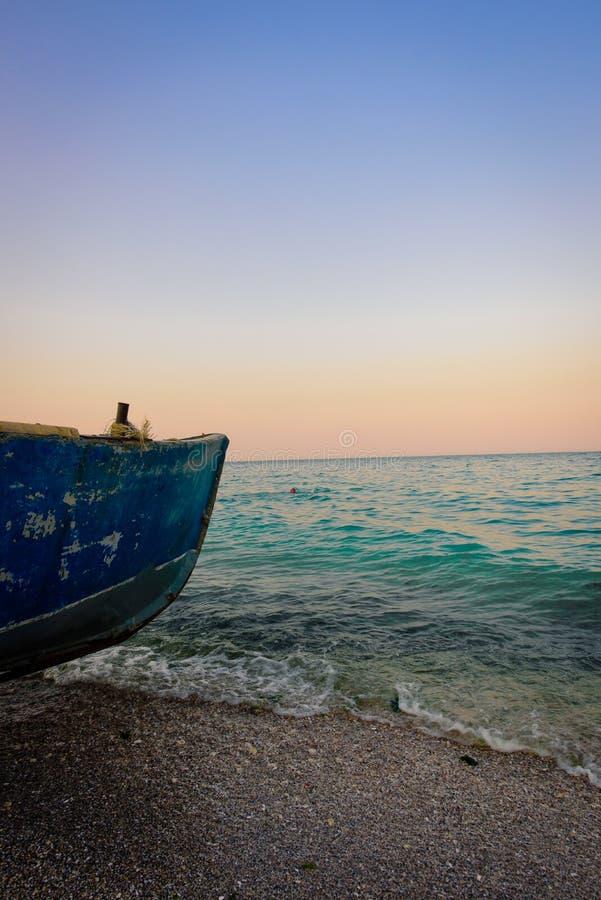 在海边的渔船 库存照片