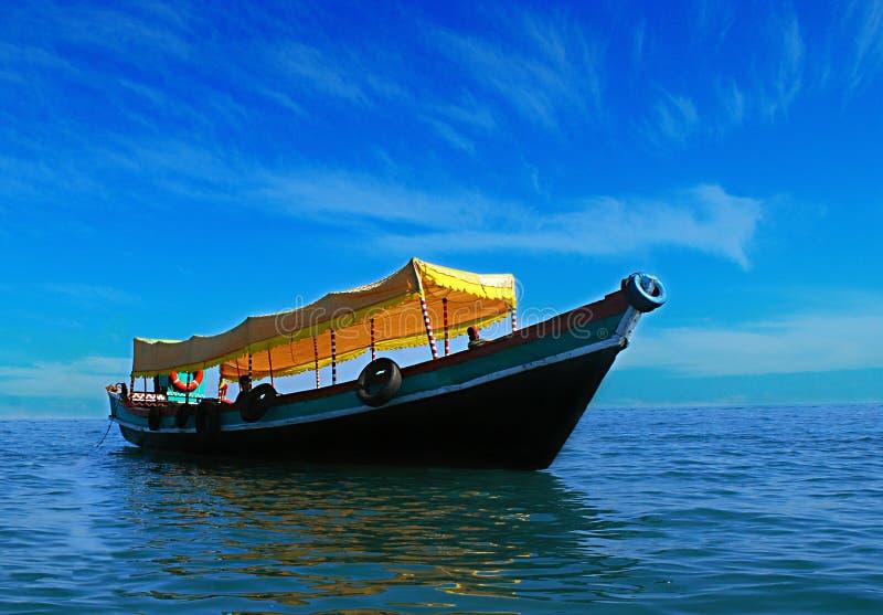 在海运的小船 免版税库存照片