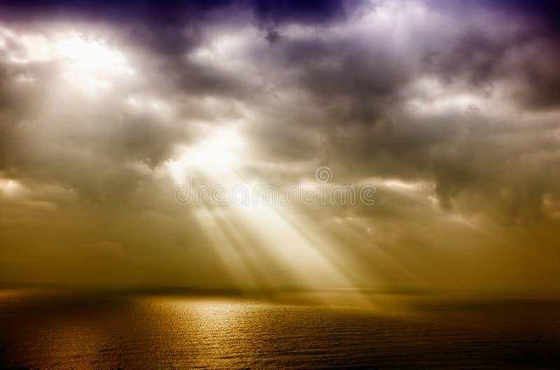 在海运的风暴在雨以后 免版税图库摄影