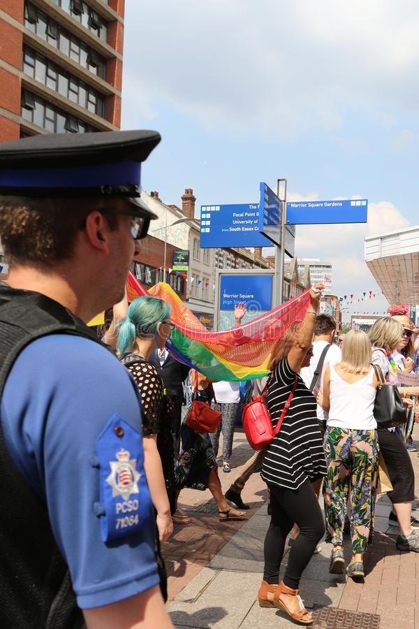 在海,艾塞克斯,英国,7月21日2018自豪感行军,警察的绍森德观看 免版税库存图片