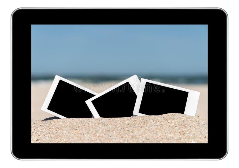 在海滩沙子的空白的减速火箭的立即照片 库存照片