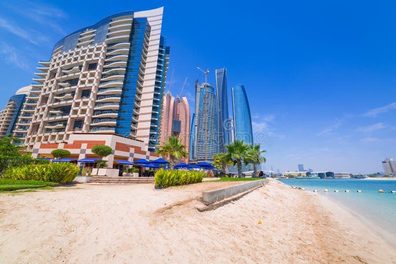 在海滩的假日在阿布扎比,阿联酋 库存图片