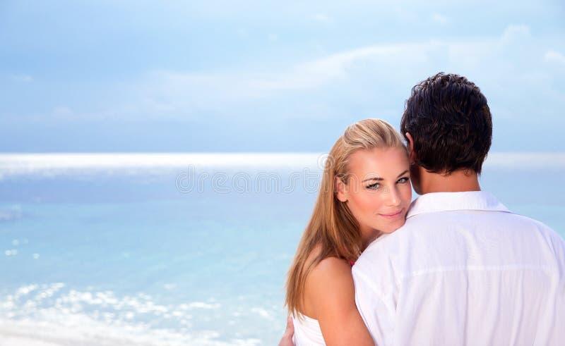 在海滨的婚礼之日 免版税图库摄影
