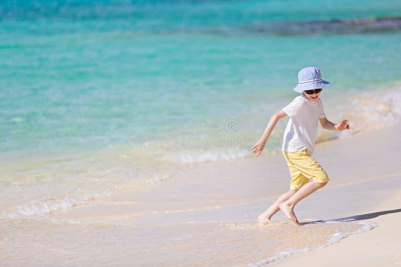 在海滩的孩子 库存图片
