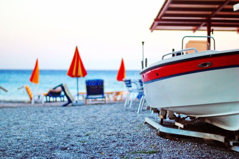 在海滩的小船, Ialyssos 图库摄影