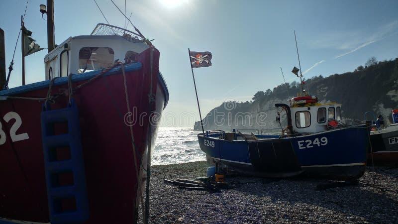 在海滩的工作艇 免版税库存图片