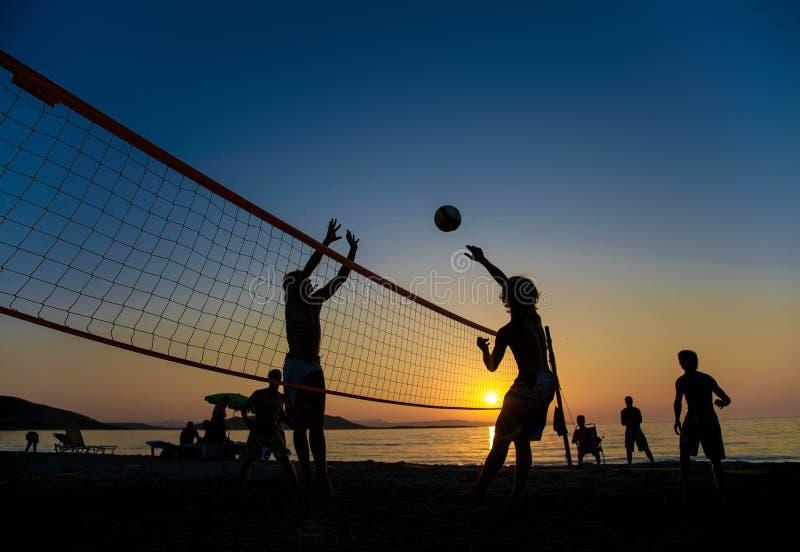 在海滩的排球 库存照片