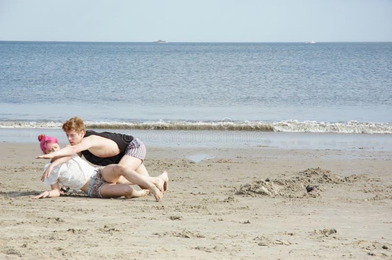 在海滩的排练 免版税图库摄影