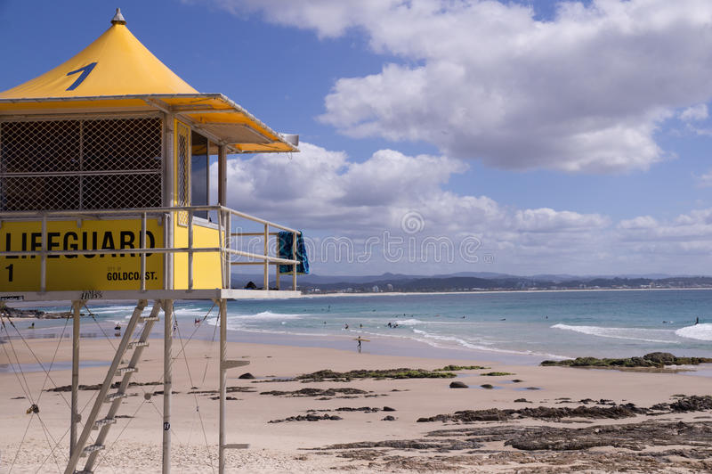 在海滩的救生员塔 库存图片