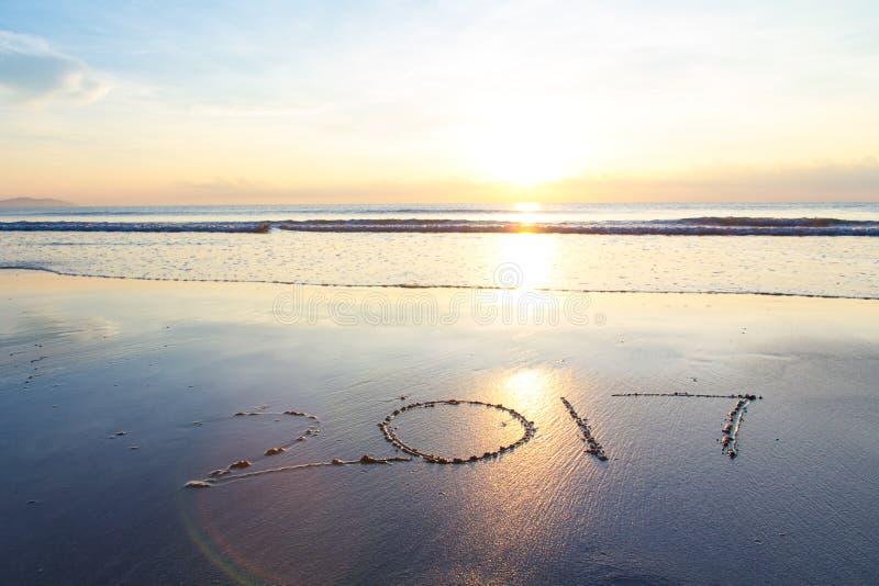 2017年在海滩的日出 免版税库存照片