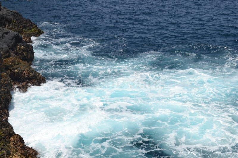 在海滩的波浪在圣玛丽亚 库存照片