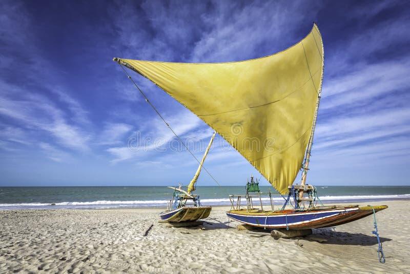 在海滩的渔船新生 库存照片
