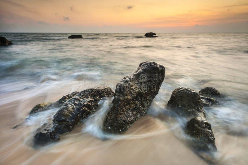 在海洋的美好的日落 免版税库存图片