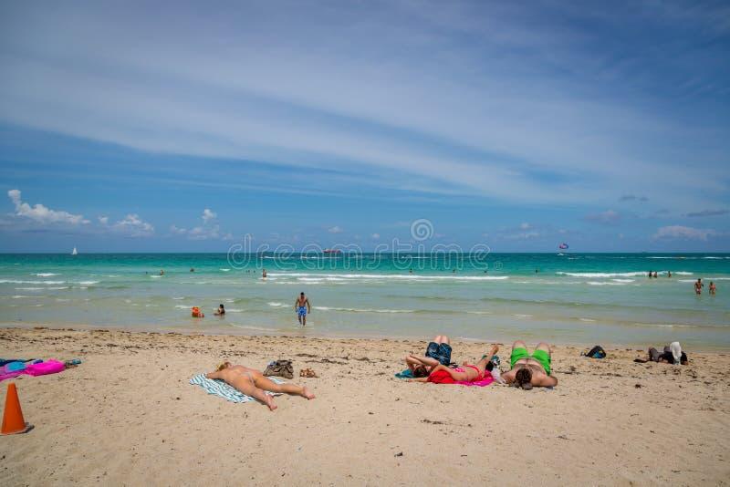 在海滩的美好的蓝天天迈阿密在佛罗里达 库存图片