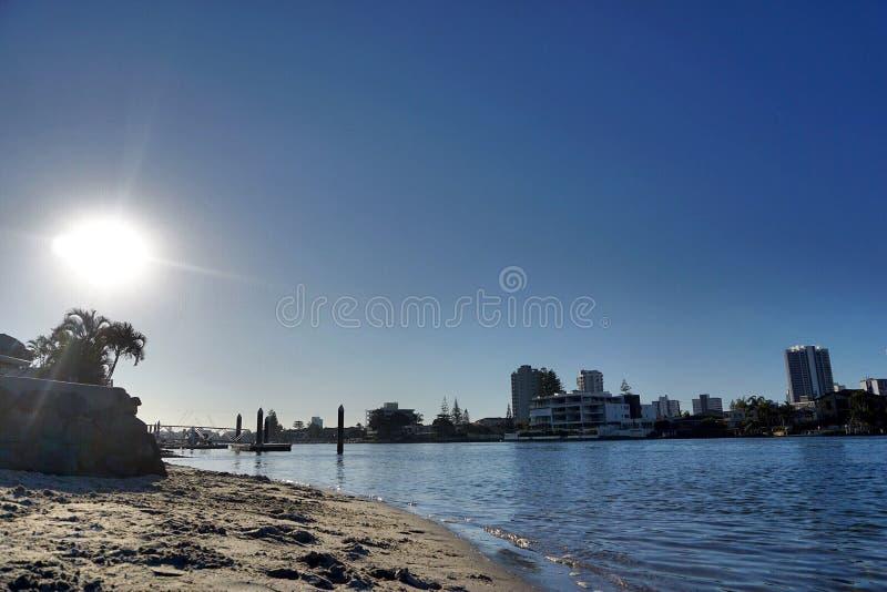 在海滩的阳光天 库存图片